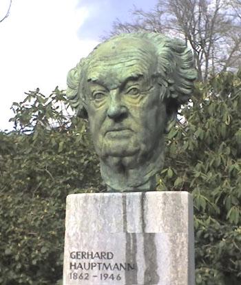 https://www.meaus.com/0130-gerhart-hauptmann.JPEG
